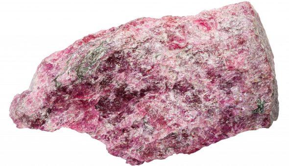 Камень Эвдиалит