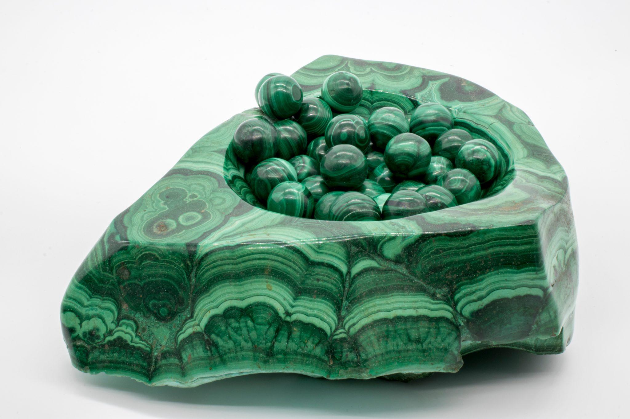 Камень малахит, свойства и кому подходит по знаку зодиака