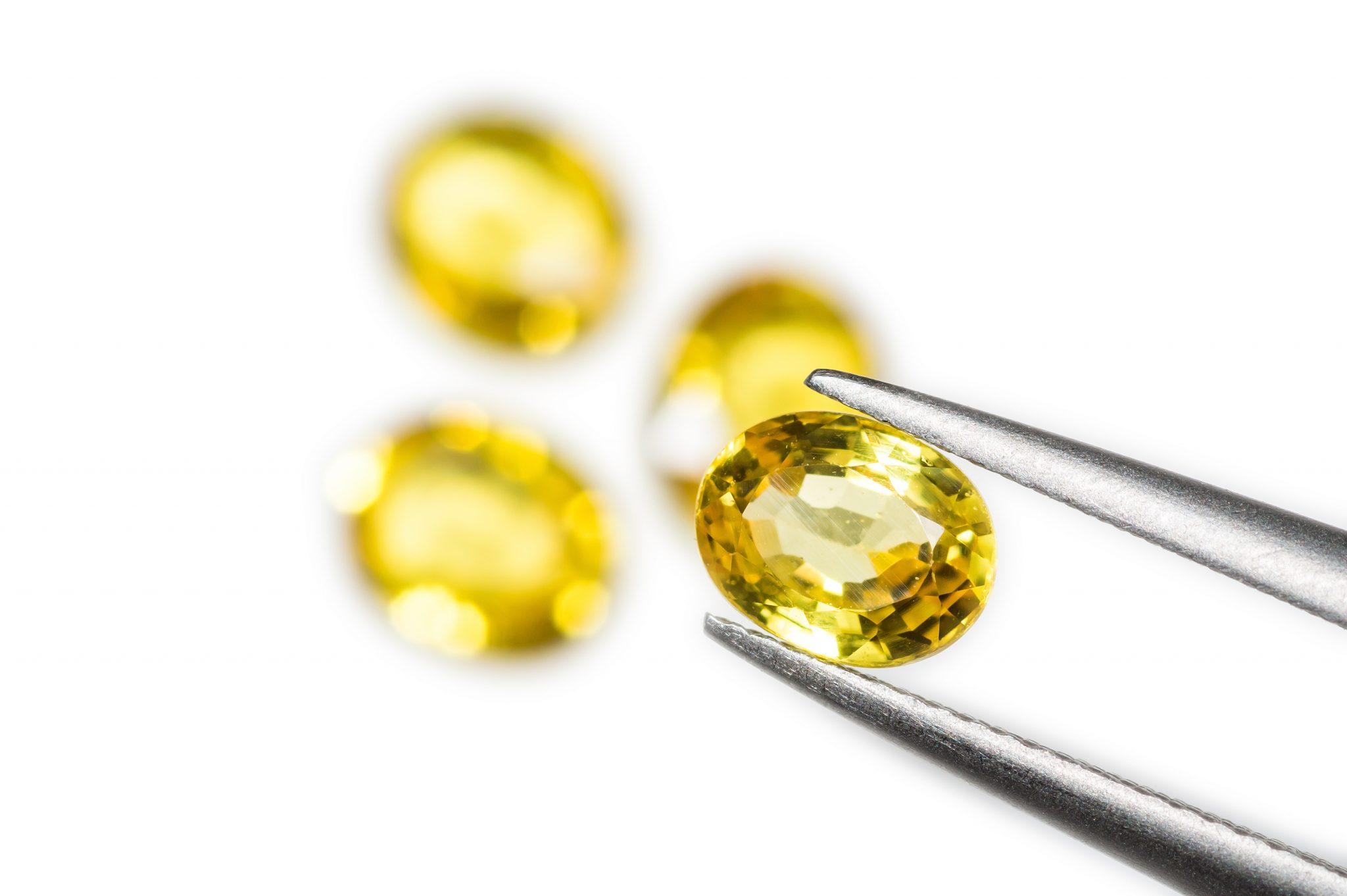 Жёлтый сапфир: солнечный минерал с огромной магической силой